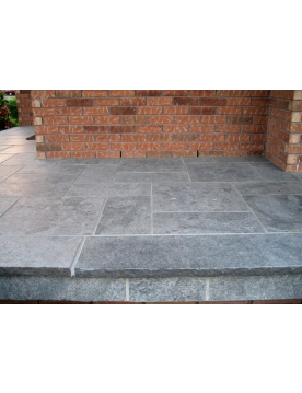 Hampton Limestone Treads
